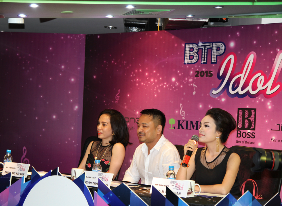 Judge Tan Nhan commented on the contestants' performance